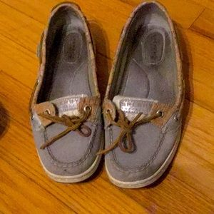 Sperry angel fish gray slides